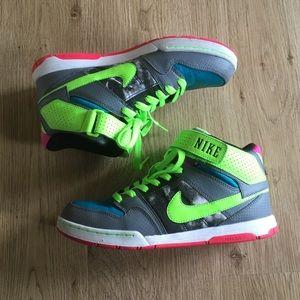 Nike Air Morgan Mid Sneakers neon 9